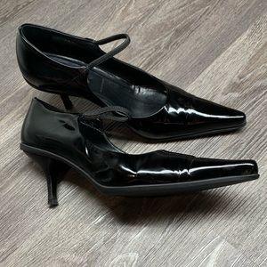 PRADA patent leather pointy toe kitten heel shoes